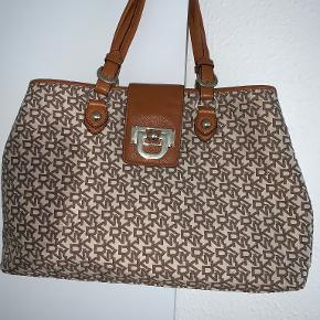 DKNY håndtaske