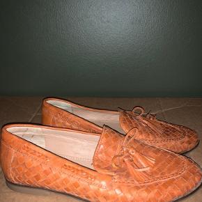"""Læder sko, cognac farvet fra """"Copenhagen Shoes"""", str 38!  Brugt meget lidt, da de er købt for store."""