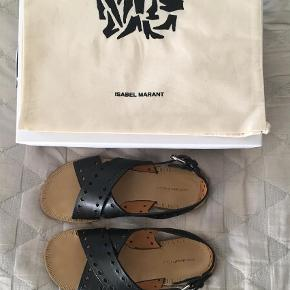 Varetype: Sandaler Farve: Sort Oprindelig købspris: 2100 kr.  Isabel Marant, Malick sandal, str.36. De sidder utrolig godt på foden. Nypris 2.100 kr. Byd gerne