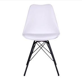 Sælger 2 af disse hvide stole!   Byd! ☺️