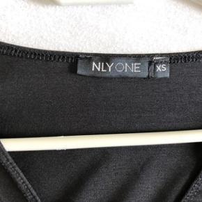 Super udsalg.... Jeg har ryddet ud i klædeskabet og fundet en masse flotte ting som sælges billigt, finder du flere ting, giver jeg gerne et godt tilbud  Super flot Bodystocking str XS fra NLY ONE  Nypris 249 desværre købt for lille