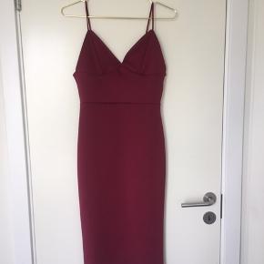Flot rød kjole fra boohoo
