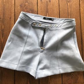 Shorts fra Bershka. Købt på Malta i 2017. Sælger dem da jeg ikke bruger dem. De er lidt korte. Sendes med dao eller afhentes på min adresse🤘🏻