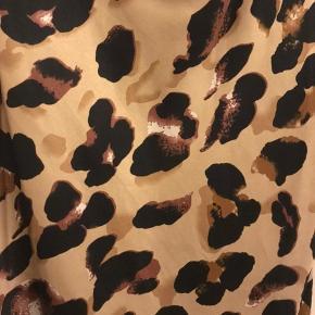 Leopard kjole, aldrig brugt!