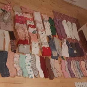 Kæmpe pige tøjpakke!! Vinter/sommer tøjStr. 62 82 stykker tøj Størstedelen nyt, andet brugt få gange, meget lidt godt men brugt