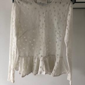 Fed Stine Goya bluse med peplum.  Det er en str m men synes det er mere en s.  Har den os i sort :)