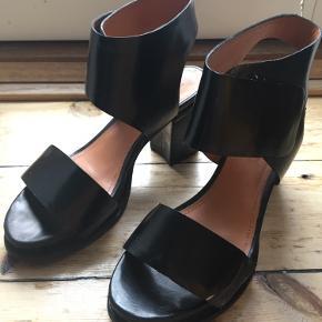 & Other Stories heels