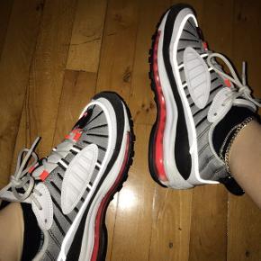 Nike air max 98. Sælges da jeg ikke får den brugt