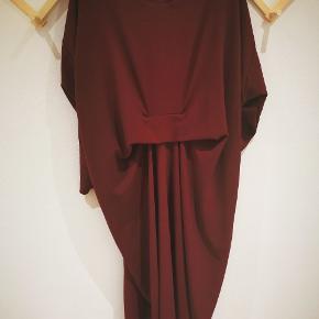 Super flot kjole fra Sofie Kimman (håndsyet). Passer xl-xxl