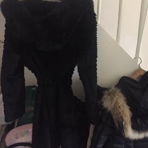 Pels frakke fra Fisketorvet . Brugt 1 gang - fejl køb