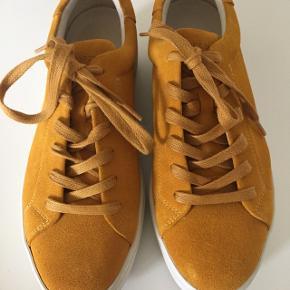Så fin forårs sko. Men fejlkøb for mig   Kan stadig købes i butik. 799,-