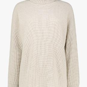 Lisa Yang sweater