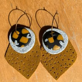 Øreringe i blandede materialer fra Australien, kan sammensættes efter smag 🌾   Ps Jeg bytter gerne, hvis du har noget spændende 🕵🏻♀️