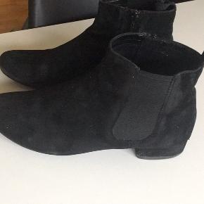 Vagabond korte støvler sort ruskind str. 39