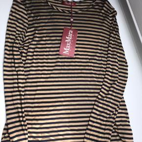 Fineste trøje fra Max Mara. Ny og stadig med tags mm. Ny pris 1100. Bud fra 400pp