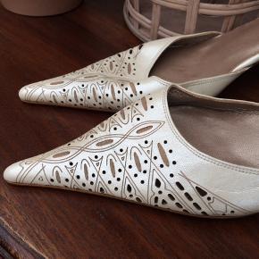 Fin råhvid sko fra Billi Bi i det fineste skind og med lædersål