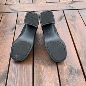 Vagabond chunky heels støvler. De er vasket, renset og fået skind-pleje.