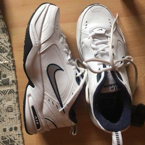 Reebok,Nike,Hummel,Adidas,Anita,Matas,The Body Shop,Calvin