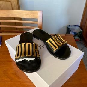DIOREVOLUTION sandaler  Sjældne Christian Dior sandaler i sort calfskin
