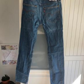 Levis bukser  Str 33/34  Bytter gerne