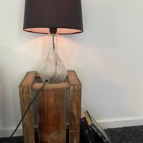 Retro natbord, kan sagtens bruges til andet👍🏻 Købte det på et retro marked   Pris 50 kr Kom gerne med et bud