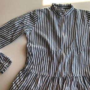 Skjorte fra Envii. Kun brugt få gange. Mangler bare at stryges, så er den som ny.