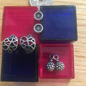 Blad ørestikker - oxyderet Vedhæng 'bær' - oxyderet Ørestikker med ægte diamant i midten.  Alt i ægte 925 Sterling sølv. Oxyderet   Sælges samlet eller enkeltvis sæt.