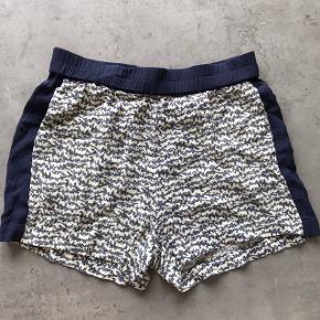 Samsøe Samsøe shorts med lommer i siden, meget behagelige at have på