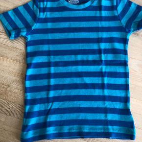T-shirt fra Katvig - Er i tvivl om den nogensinde har været i brug😉