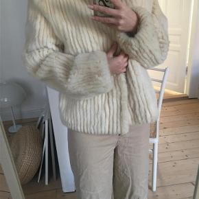 8ca507de Brand: saga mink Varetype: mink pels jakke hvid cream oversized vintage lys  flødefarvet Størrelse