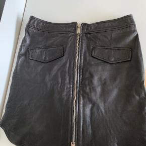 Raiine nederdel