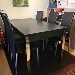 """Flot spisebord i sort ask melanin og krom metalben, fra MyHome.  Målene er 80x120cm.  Bordet kan forlænges hvis man har brug for det. Der er """"Hollandsk"""" udtræk så spisebordet bliver 187cm langt.  Sat ned fra 1000kr. Skal af med det hurtigst muligt, BYD og vi finder en pris sammen😊"""