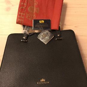 Brand: Wittchen Varetype: Håndtaske Størrelse: Mellem Farve: Sort