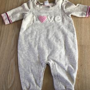 Baby Gap buksedragt