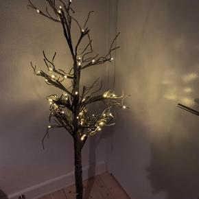 Sælger det her Sirius træ med fod  Nypris er ca de 300-400kr  Mindstepris 100kr