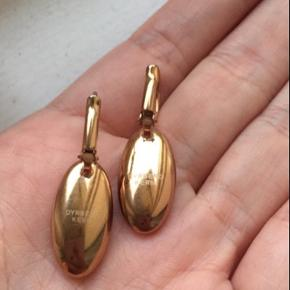Smukke øreringe i rosaguld fra Dyrberg/kern  Sælges for 245kr plus porto