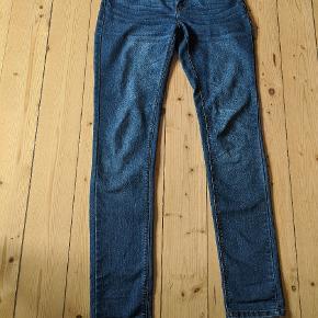 Lavtaljede bukser fra Only I størrelsen W: M og 34