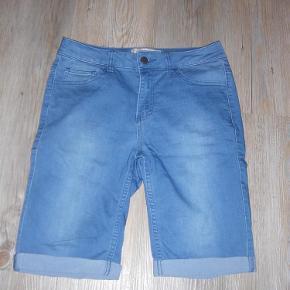 Varetype: Knickers Størrelse: M/L Farve: Lyseblå  Rigtig fede shorts. Kun brugt en gang.  Sendes med GLS.