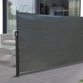 Et praktisk læhegn i aluminium og polyester, som kan afskærme din terrasse, for vind og naboer, så du kan sidde på terrassen i ro og fred. Kan rulles ud og ind efter efter ønske.  140 x 300 cm.  Er nyt og aldrig brugt, passer ikke til vores terrasse alligevel. Nypris 600 kr.  Kan sendes med gls for 80 kr.