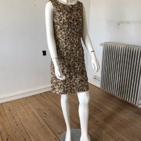 Smuk kjole fra Baum. Brugt en gang, er som ny og fejler intet.  Str dansk 38.  Byttes ikke.