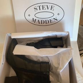 Brugt én aften. Smukke, stilfulde Steve Madden støvler - fitter 38.