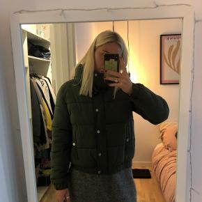 Lækker grøn jakke fra Envii💚 Brugt, men kan sagtens bruges mere