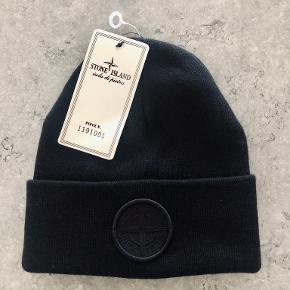 Stone Island hat & hue