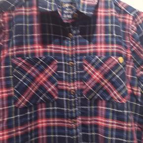 Ny , bomuld / elasthan , super fin skjorte , nypris 550kr
