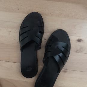 Super fine sandaler fra H&M i ægte læder. Str 37. Brugt en enkelt gang.