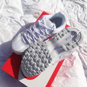 Nike P-6000  Kommer nye i boksen, aldrig brugt  Størrelse 38 (24 cm)
