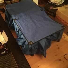 Hunde udstillings seng. Kan slåes sammen og der er pose med til