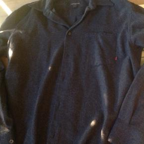 Gorgeous thick wool warm button up by Marlboro classics.  It's a dark almost black grey.  It's very nice.