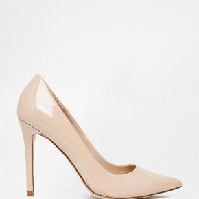 Varetype: Smukke heeels Farve: Nude  Smukke heels, brugt 1 gang - FLOT stand