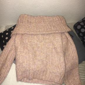 Varetype: Jumper Farve: Lys Rosa Oprindelig købspris: 250 kr.  Sweater fra H&M, den er ikke brugt, kom endlig med bud